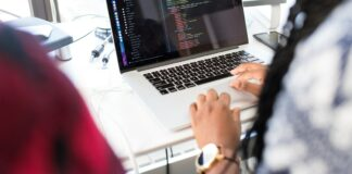 Hybrid Vs Native Mobile Development Which Is Better For Business